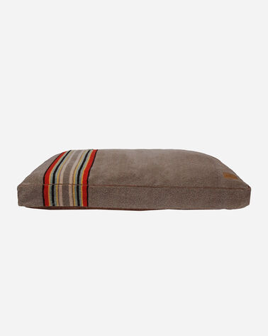 X-LARGE YAKIMA CAMP DOG BED IN MINERAL UMBER