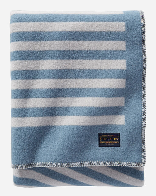 REED THROW IN GREY