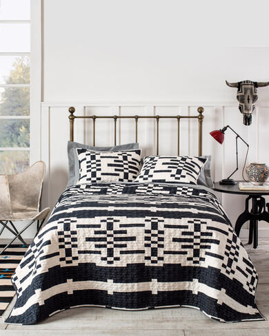 Sierra Coverlet Collection