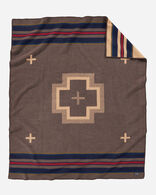 SHELTER BAY BLANKET IN BROWN