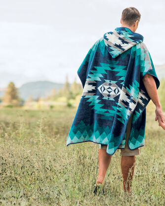 ADDITIONAL VIEW OF CANYONLANDS ADULT HOODED TOWEL IN DESERT SKY