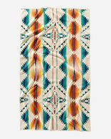 FALCON COVE SUNSET SPA TOWEL IN WHITE MULTI