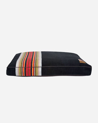 ACADIA NATIONAL PARK DOG BED IN SIZE LARGE