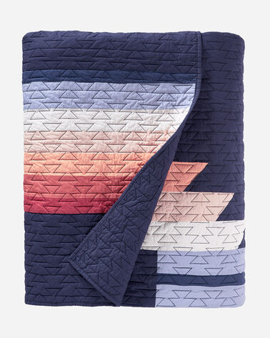 SUNSET CANYON PIECED QUILT SET IN NAVY