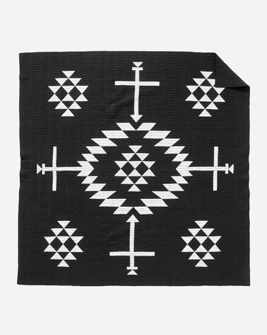 ADDITIONAL VIEW OF LOS OJOS PIECED QUILT SET IN BLACK/WHITE