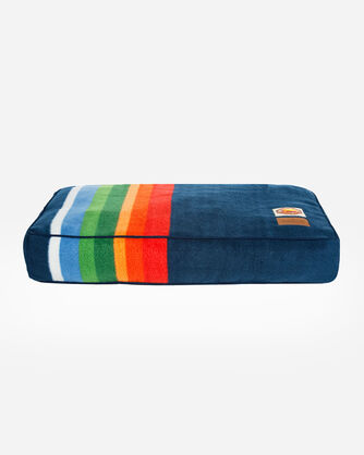 CRATER LAKE NATIONAL PARK DOG BED IN SIZE MEDIUM