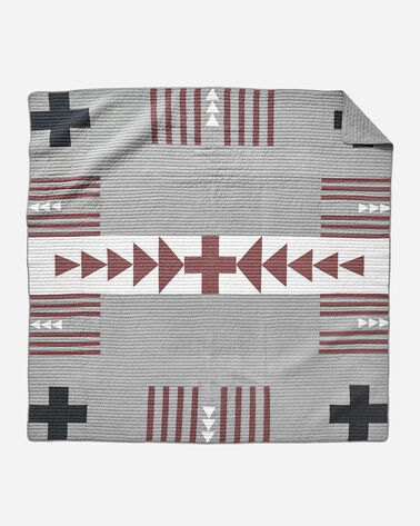 THUNDER QUARREL PIECED QUILT SET