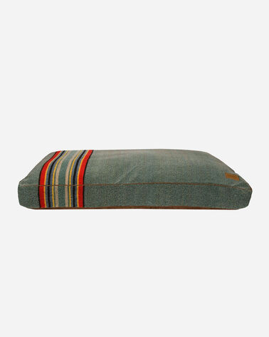 X-LARGE YAKIMA CAMP DOG BED IN HEATHER GREEN          0