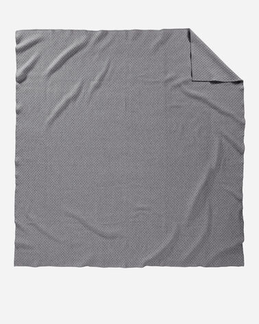 ADDITIONAL VIEW OF LATTICE WEAVE BED BLANKET IN GREY/SLATE