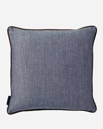 ADDITIONAL VIEW OF AMERICAN WEST WOOL PILLOW IN TAN