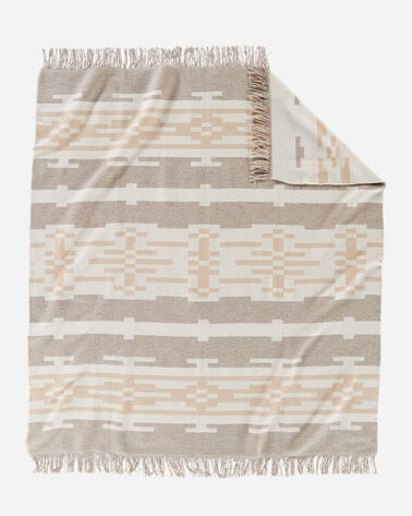 SANDHILLS FRINGED THROW IN CREAM