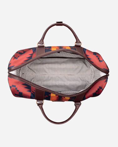 ALTERNATE VIEW OF SPIDER ROCK ROLLING DUFFEL BAG IN RUST/NAVY