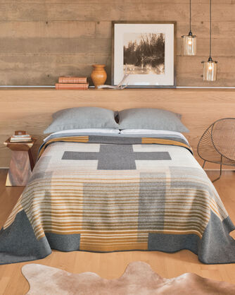 COMPASS POINT BLANKET