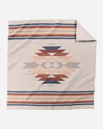 PINOS CREEK PIECED QUILT IN TAN MULTI