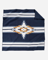CHIEF STAR PIECED QUILT SET IN NAVY