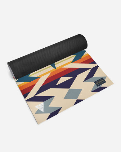 PENDLETON X YETI YOGA FIRE LEGEND MAT IN RED