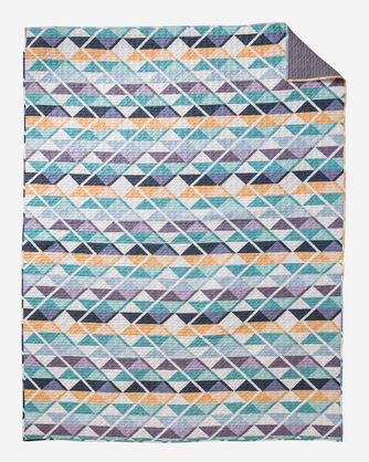 ADDITIONAL VIEW OF SERRADO PRINTED COVERLET SET IN MULTI