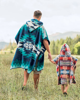 ADDITIONAL VIEW OF CANYONLANDS HOODED KIDS' TOWEL IN DESERT SKY