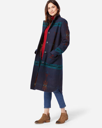ADDITIONAL VIEW OF WOMEN'S SADDLE MOUNTAIN BLANKET COAT IN THUNDERBIRD NAVY