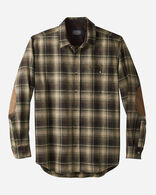 MEN'S FITTED ELBOW-PATCH TRAIL SHIRT IN TAN/BLACK/GREEN OMBRE