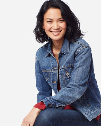 LEVI'S EX-BOYFRIEND TRUCKER JACKET IN LIGHT BLUE