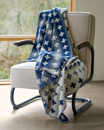 ADDITIONAL VIEW OF MERIDIAN CROSSING THROW IN WHITE/GREY/NAVY