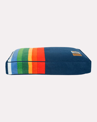 SMALL NATIONAL PARK DOG BED, CRATER LAKE, large