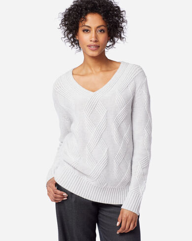 WOMEN'S LUXE CABLE V-NECK SWEATER