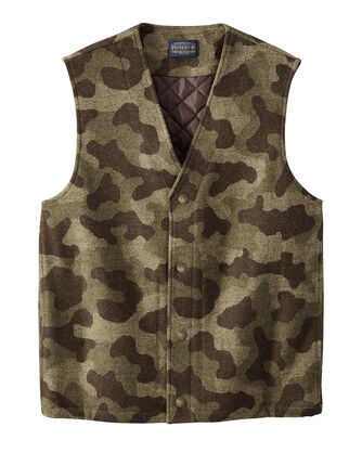 MEN'S CAMO JACQUARD QUILTED VEST IN CAMO
