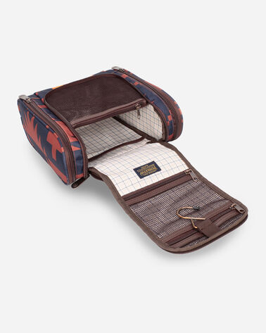 ALTERNATE VIEW OF SPIDER ROCK DELUXE TOILETRY BAG IN RUST/NAVY