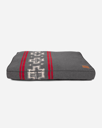 ADDITIONAL VIEW OF EXTRA LARGE SAN MIGUEL DOG BED IN SAN MIGUEL GREY