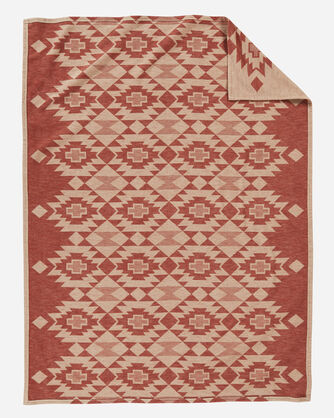 ADDITIONAL VIEW OF YUMA STAR ORGANIC COTTON BLANKET IN CLAY