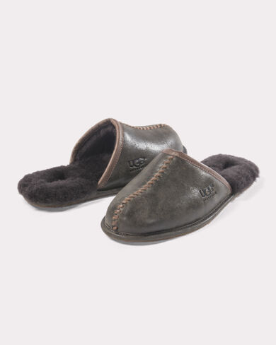 LEATHER AND SHEARLING SCUFFS, STOUT, large