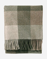 ECO-WISE WOOL FRINGED THROW IN JUNIPER/FAWN