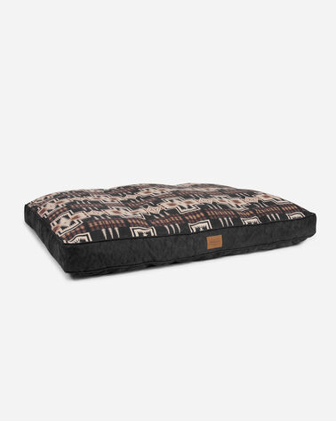 ADDITIONAL VIEW OF EXTRA LARGE HARDING DOG BED IN HARDING