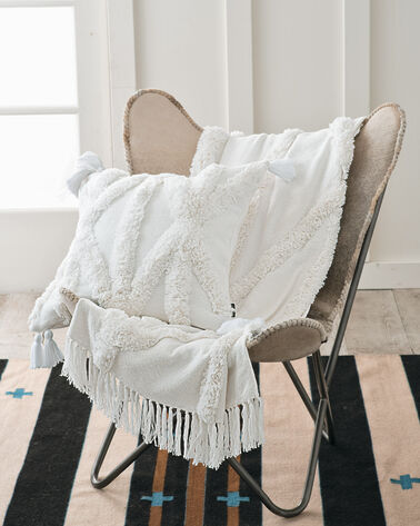 RIO CANYON TUFTED THROW, WHITE, large