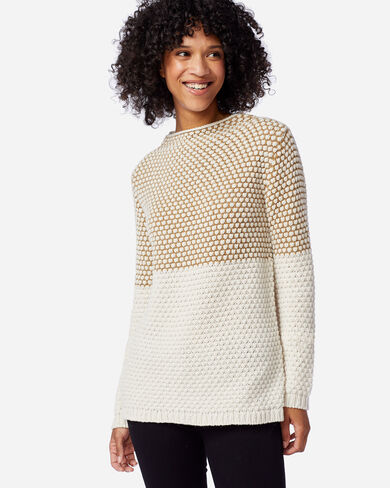 WOMEN'S TEXTURED FUNNEL NECK PULLOVER IN CAMEL/ANTIQUE WHITE