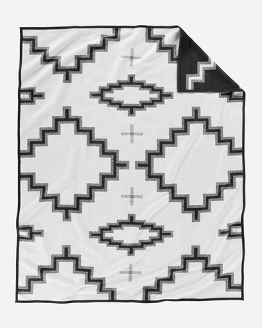 KIVA STEPS BLANKET, BLACK/WHITE, large