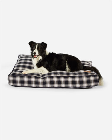 CHARCOAL OMBRE PLAID DOG BED IN SIZE LARGE