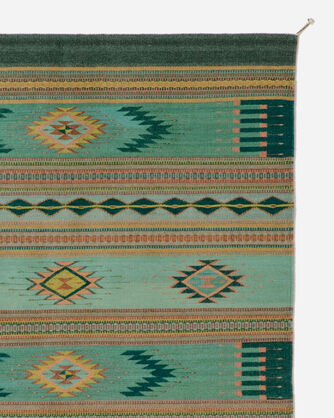 ADDITIONAL VIEW OF AGAVE AZUL RUG IN AQUA