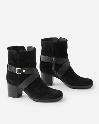 MISTY HARNESS BOOTS IN BLACK