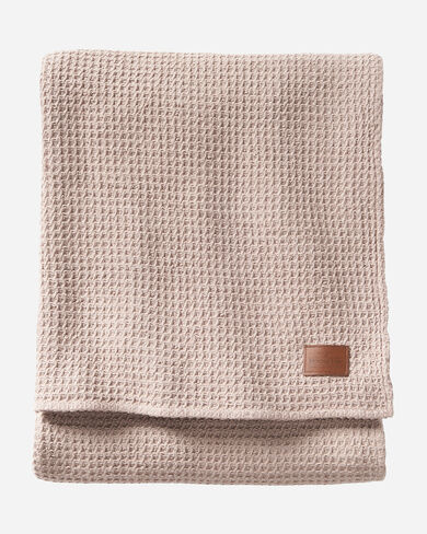 COTTON WAFFLE BLANKET IN TAUPE