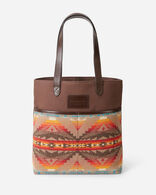 SIERRA RIDGE MARKET TOTE IN BROWN