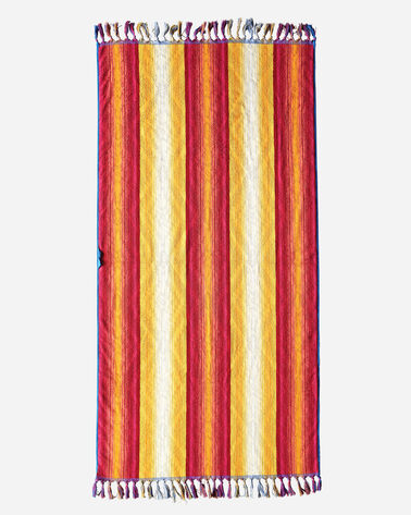 ADDITIONAL VIEW OF PAGOSA SPRINGS SPA TOWEL WITH FRINGE IN FUCHSIA