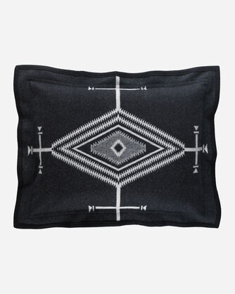 ADDITIONAL VIEW OF LOS OJOS SHAM IN BLACK/ WHITE