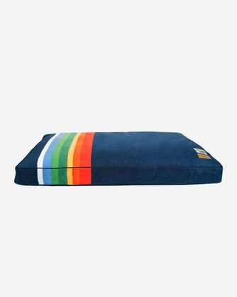 CRATER LAKE NATIONAL PARK DOG BED IN SIZE LARGE