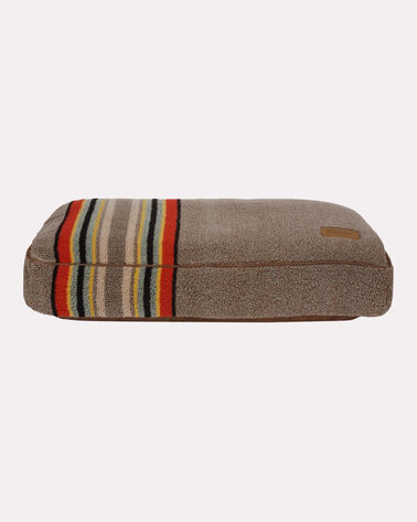 SMALL YAKIMA CAMP DOG BED